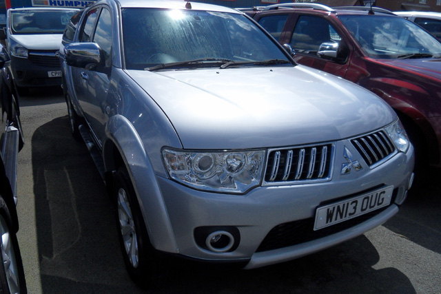 Mitsubishi L200 Warrior Double cab Pickup 2.5 TD Silver with colour coded Canopy Leather 2013 13 reg