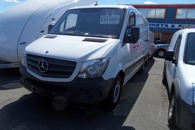 Mercedes Sprinter 313 MWB L/R Van White Ply lined Air con 2015 15 reg