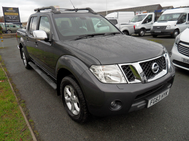 Nissan Navara Tekna Connect 2.5 TD Automatic Double cab Pickup Grey 2013 63 reg with Mountain top