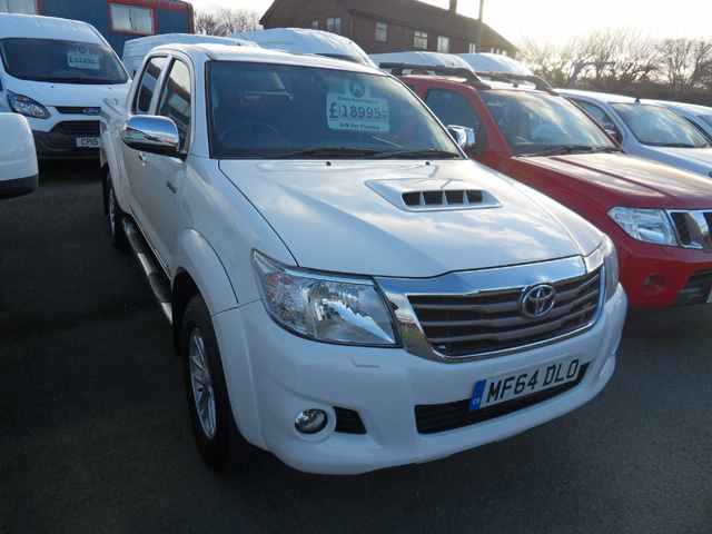 Toyota Hilux 3.0 TD Invincible Double cab Pickup White 2014 64 reg