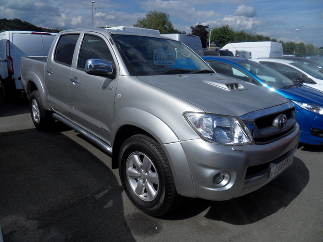 Toyota Hilux Invincible 3.0 TD Double cab Pickup Silver 2011 11 reg