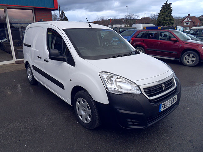 Peugeot Partner 16 Blue HDI 100 PS, Professional,  L1 Van, White, 2016, 66 reg , Shelving fitted in rear.