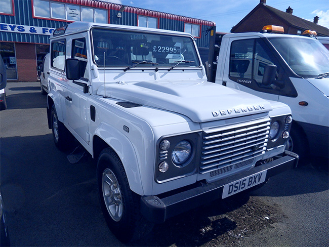 Land Rover Defender 90 22 TDCI County Station Wagon, White, 2015, 15 reg
