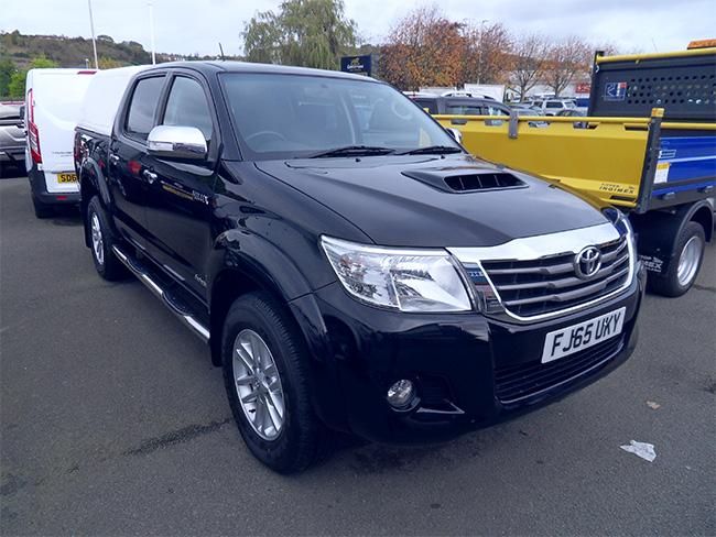 Toyota Hilux Invincible 3.0 TD Double cab Pickup, Black with Canopy and Towbar fitted, 2015, 65 reg