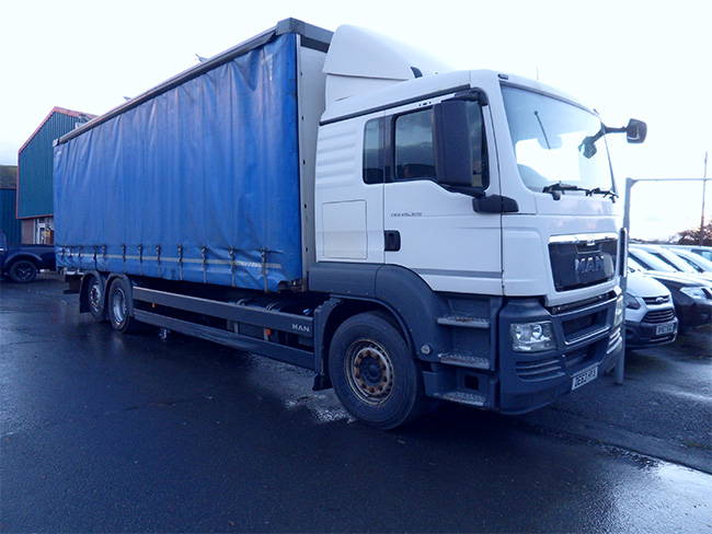 Man TGS 26. 320, Curtainside 6 Wheel Lorry, Automatic, 2013, 63 reg