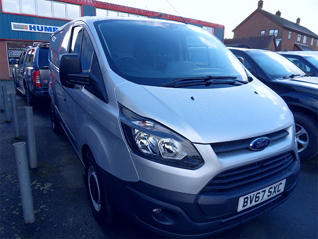 Ford Transit Custom 105ps L1, H1 Van, Silver with Air Con and Parking sensors,  2017, 67 reg