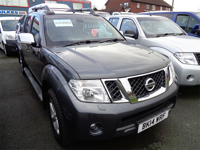 Nissan Navara Tekna 2.5 TD Automatic Double cab Pickup, Grey with Canopy fitted, 2014, 14 reg