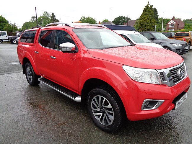 Nissan Navara NP300 Tekna Automatic Double cab Pickup, Red with colour coded canopy, 2017, 17 reg