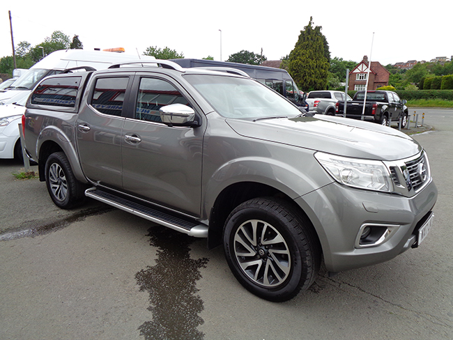 Nissan Navara NP300 Tekna Automatic Double cab Pickup, Grey with colour coded canopy, 2017, 17 reg
