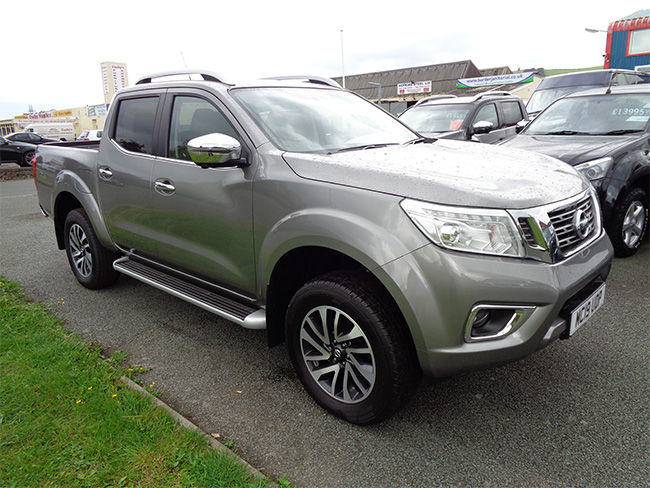 Nissan Navara NP300 Tekna Automatic Double cab Pickup,Grey, Towbar fitted, 2019, 19 reg