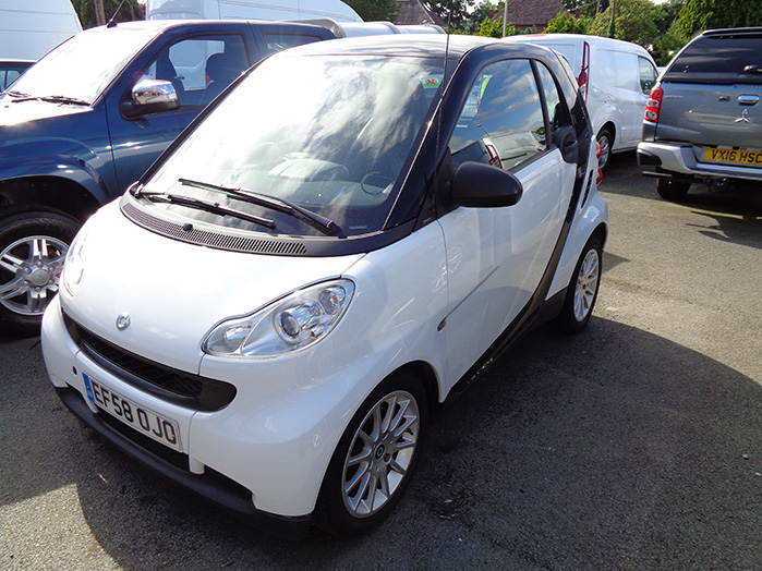 Smart  Fortwo Passion 1.0 Auto, White, 2008, 58 reg
