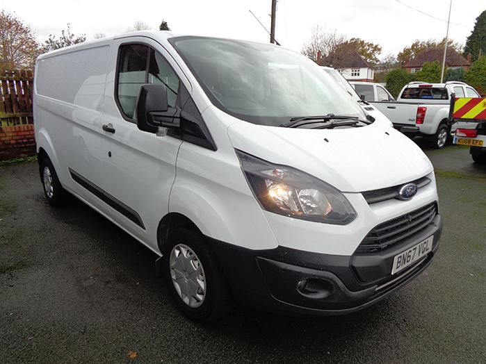 Ford Transit Custom L2, H1 104PS Van, White, 2018, 67 reg