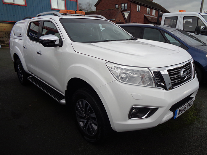 Nissan Navara NP300 Tekna Automatic Double cab Pickup, White with Gullwing Canopy fitted ,  2016, 16 reg