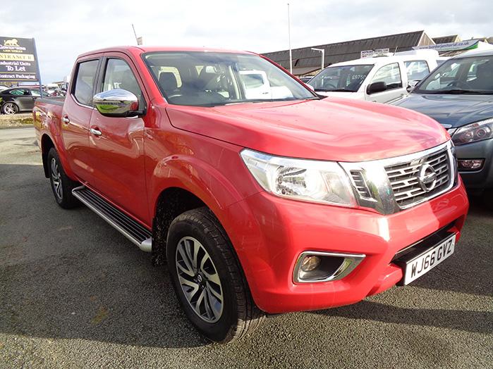 Nissan Navara NP300 Acenta + Automatic, Red, 2016, 66 reg