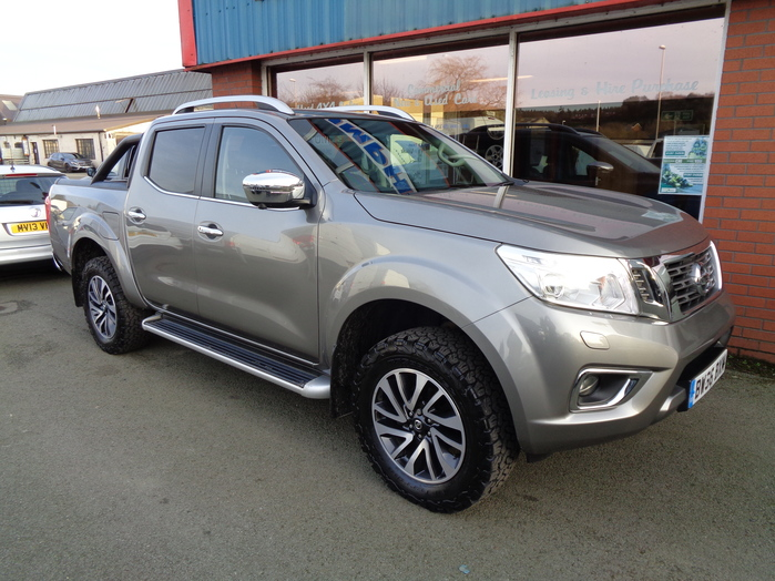 Nissan Navara NP300 Tekna Double cab Pickup, Grey with Roller shutter and Roll bar,  2016,  66 reg