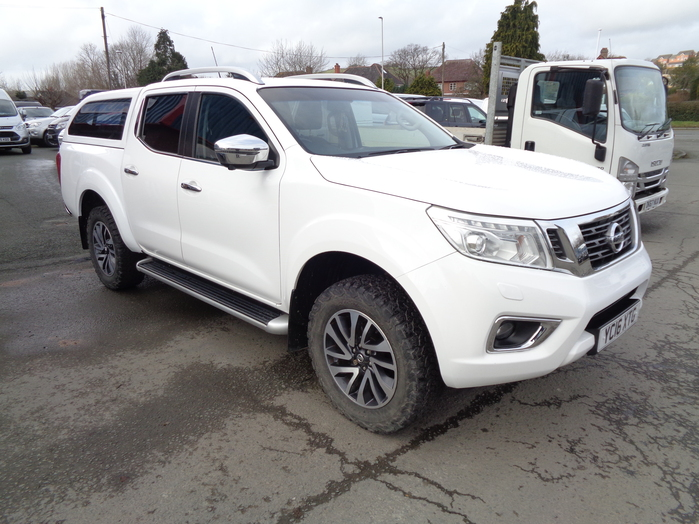 Nissan Navara NP300 Tekna Double cab Pickup, White with colour coded canopy, 2016, 16 reg,