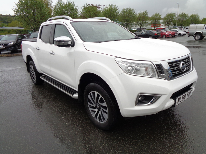 Nissan Navara NP300 Tekna Auto Double cab Pickup, White with Mountain top fitted