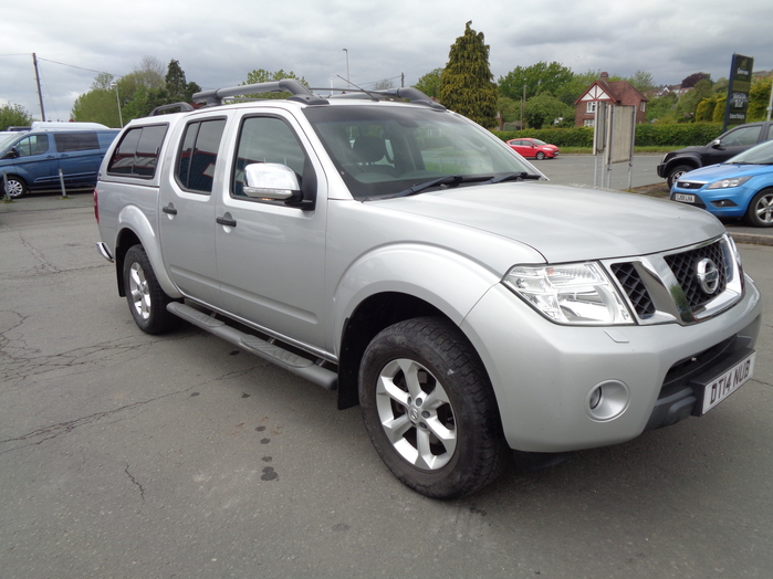 Nissan Navara 2.5 TD Tekna Manual Double cab Pickup, Silver with colour coded canopy, 2014, 14 reg.