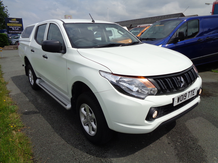 Mitsubishi L200 4 Life Double cab Pickup, White with colour coded canopy fitted, 2019, 19 reg,