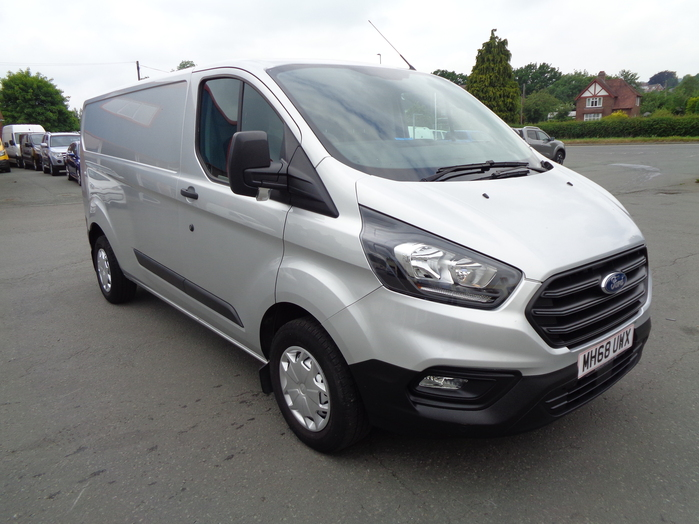 Ford Transit Custom L1 Van with Air con, front and rear sensors, fog lamps, Silver, 2019, 68 reg,