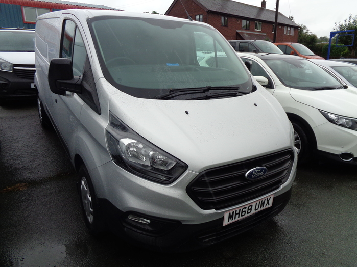 Ford Transit Custom 300 L2,H1, 2.0 TDCI, Van, Silver, 2019, 68 reg, Fitted with Air con and rear sensors.
