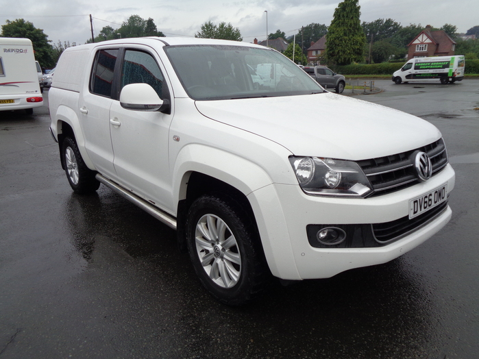 Volkswagen Amarok 2.0TDI, Hiline 4 Motion, 180PS, Double cab Pickup, White with colour coded canopy,, 2016, 66 reg,