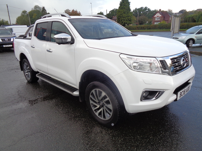 Nissan Navara NP300 Tekna Double cab Pickup, Manual, White, 2018, 18 reg, Roller shutter and sports bar fitted,