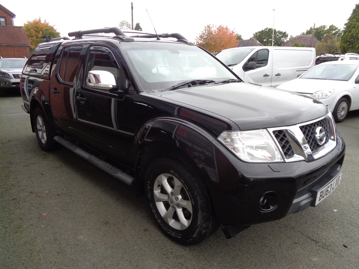 Nissan Navara Tekna Connect 2.5 TD Double cab Pickup, Black, 2013, 63 reg, Colour coded canopy fitted,