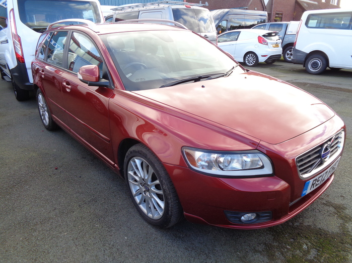 Volvo V50 Sportswagon 115, SE LUX, Diesel manual, Red, 2012, 12 reg,