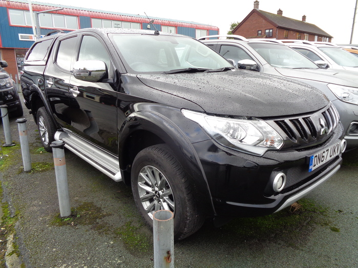 Mitsubishi L200 Barbarian Double cab Pickup, Manual, Black with colour coded Canopy, 2017, 67 reg,